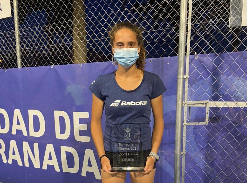 María Dolores López, tenista