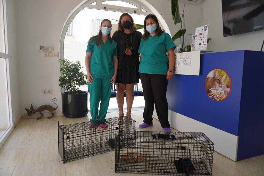Vanesa Fuentes con Clínica Veterinaria de Carboneras