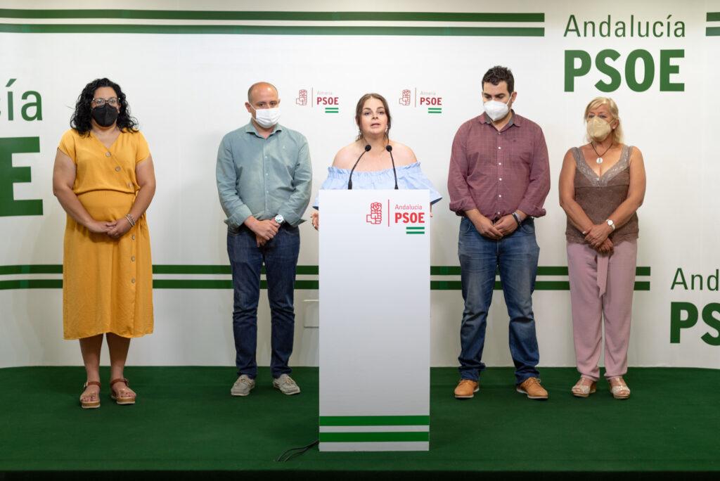 María Isabel López y concejales socialistas de Turre, junto al secretario de Organización del PSOE provincial, Antonio Martínez