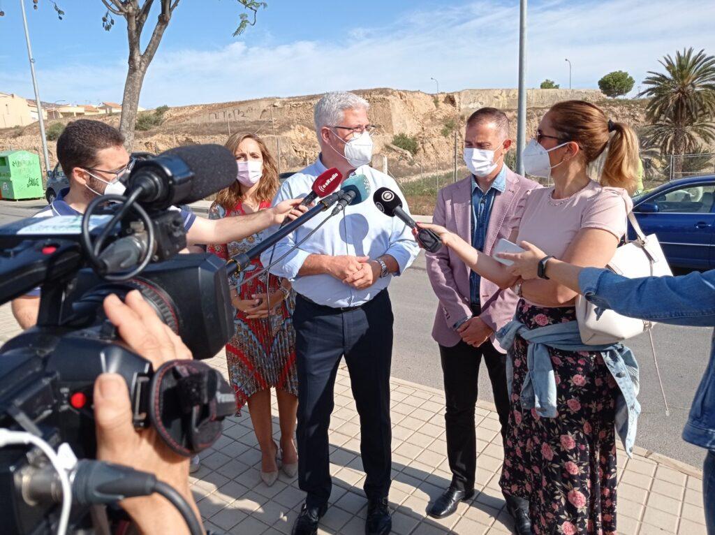 El alcalde de Huércal de Almería responde a los mediosjpg
