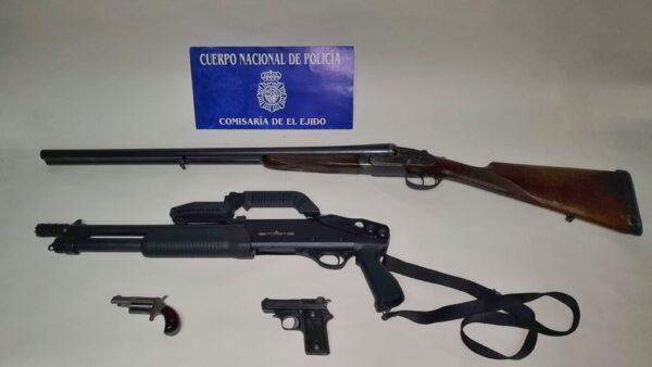 Material intervenido en El Ejido.