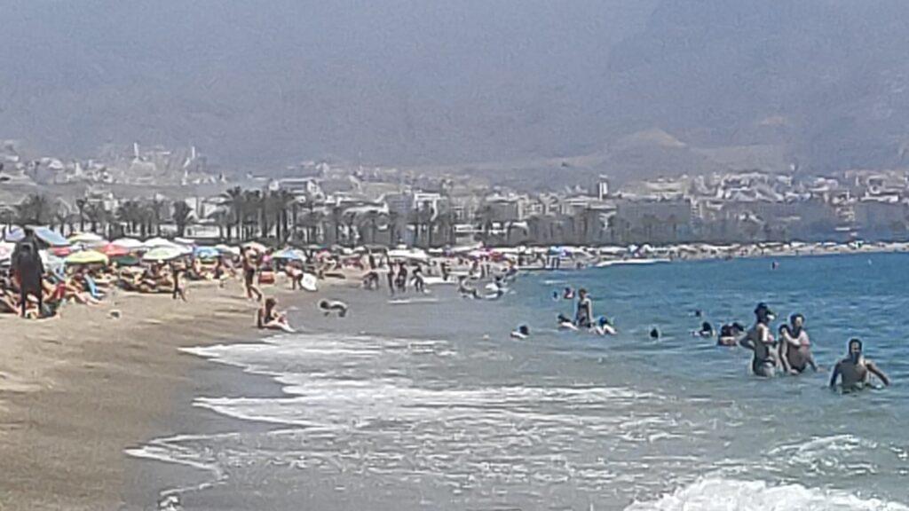 Imagen de una playa de Roquetas de Mar durante este fin de semana