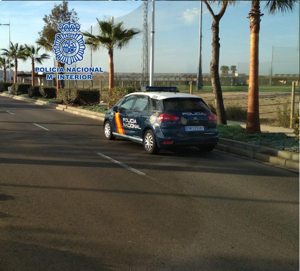 Vehículo policial en Retamar