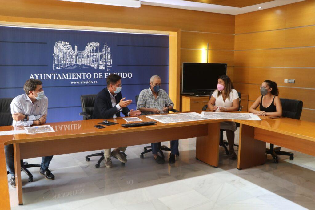 Los alcaldes de El Ejido y Dalías durante la reunión