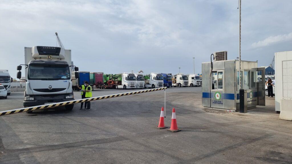 Camiones en el Puerto de Almería