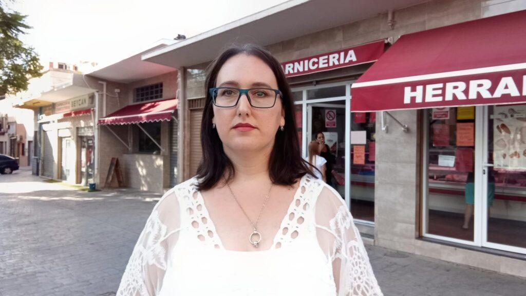 La concejal Lidia Compadre junto al Mercado del Quemadero