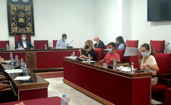 Concejales socialistas en el pleno del Ayuntamiento de Adra