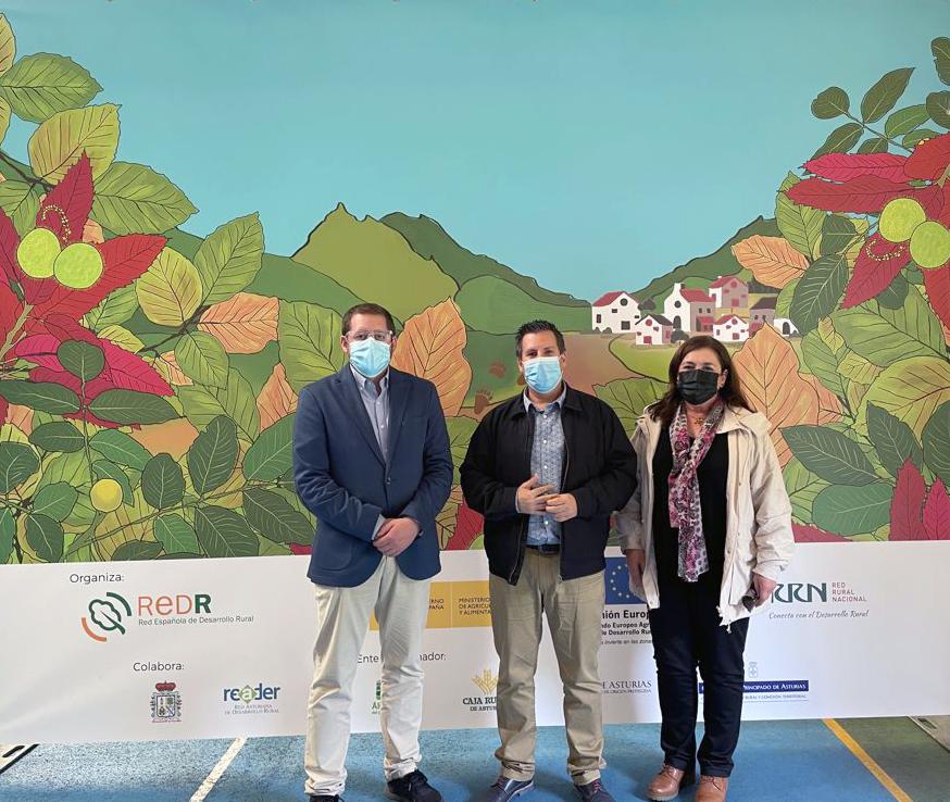 Ismael Gil, José Ignacio Expósito y Francisca Vicente en Somiedo (Asturias)